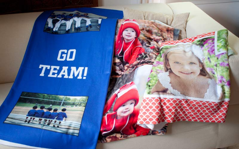Fleece, plush, jersey and woven photo blankets for your home