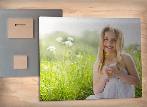 Print your photos on metal with MyPix2 Metal prints that float on the wall