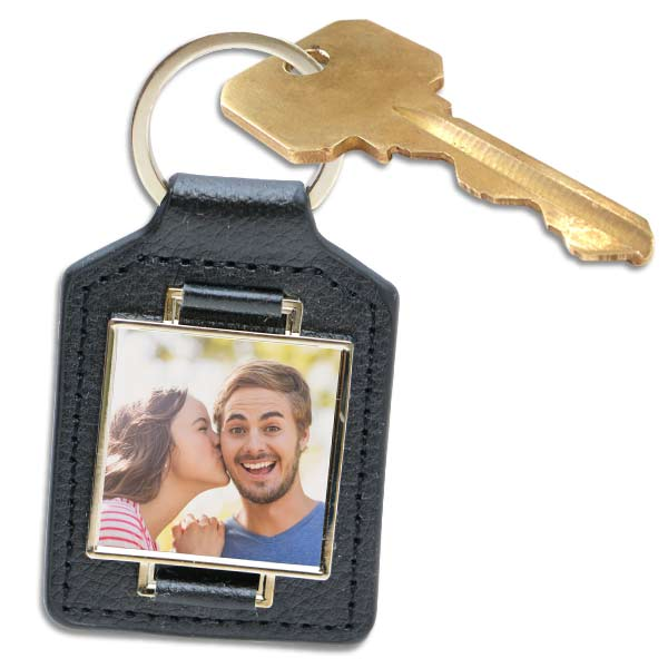 Add your best photo to a key chain with a faux leather design