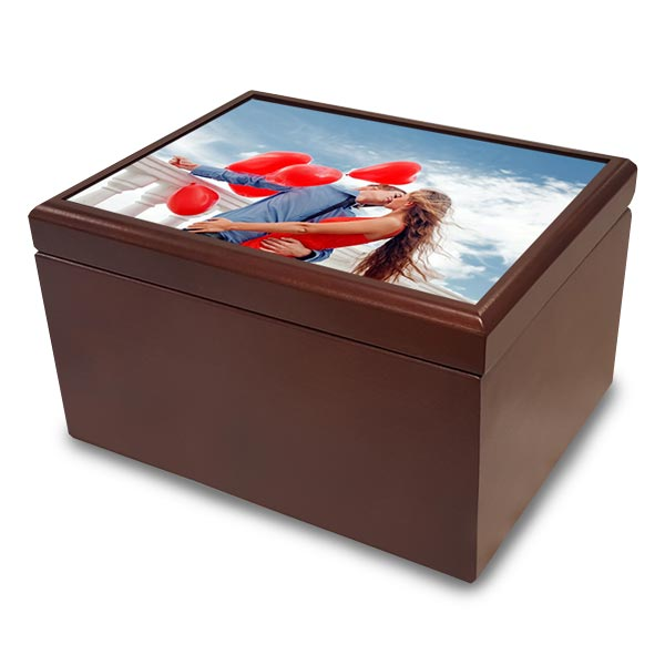 Create a jewelry box and give a gift that can be used and enjoyed for many years