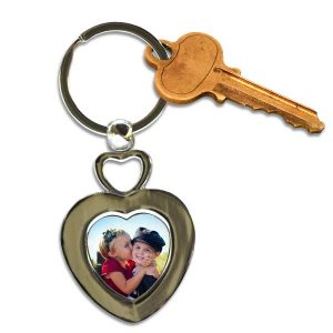 Perfect for your keys, create a personalized key chain with your favorite photo