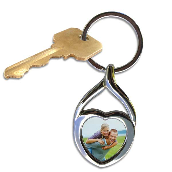 Create your own beautiful twisted heart key chain and add your own picture to personalize