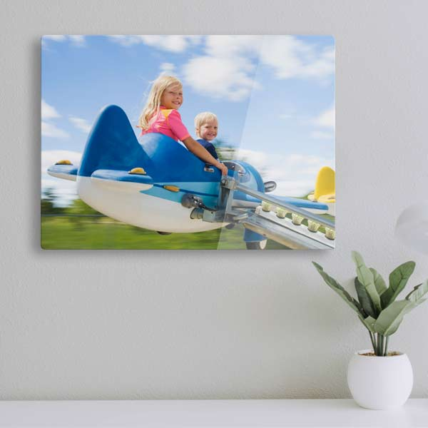 Create beautiful reflective acrylic panels for your home